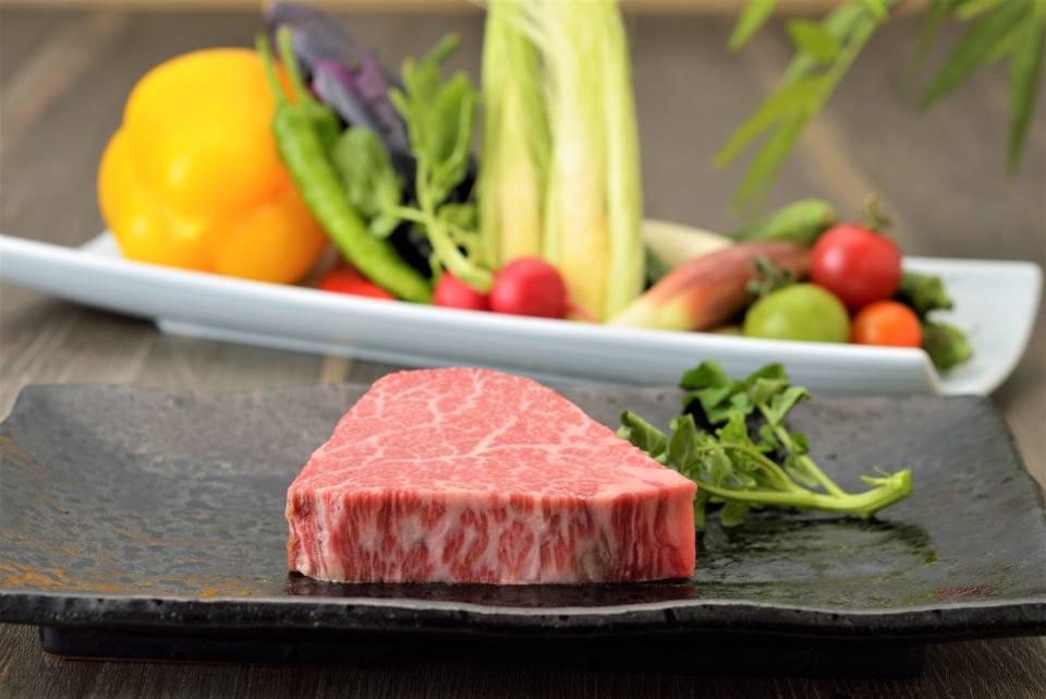 鉄板焼ガーデンお肉2