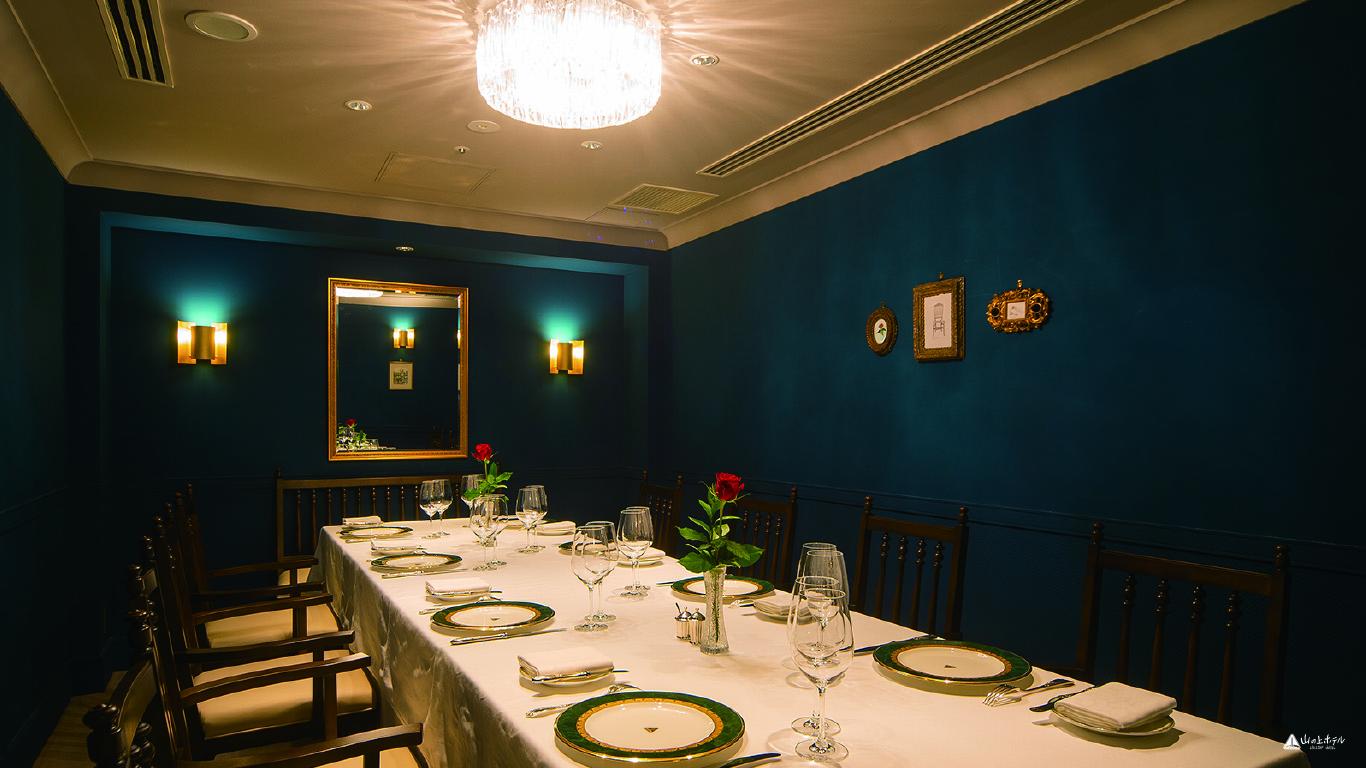 山の上ホテルラヴィ青の部屋